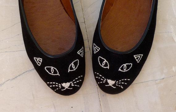 black-cat-face-shoes