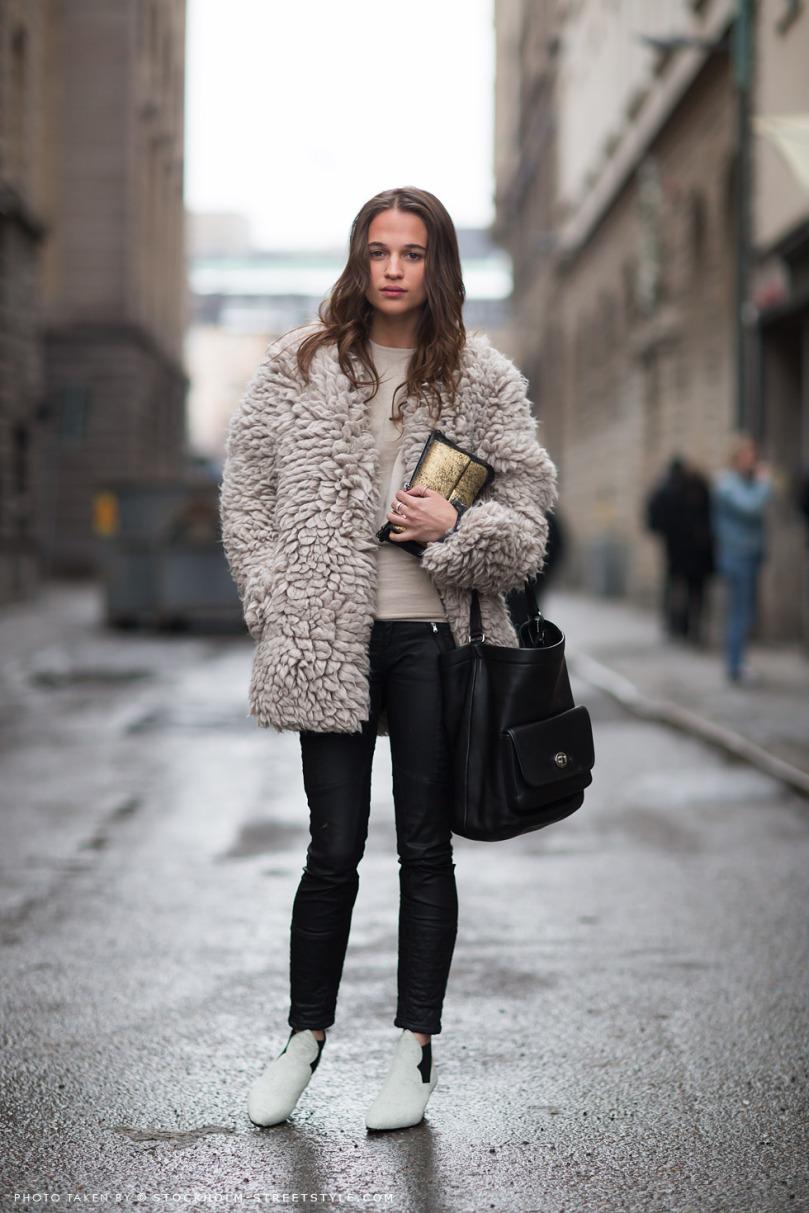 nyfw-street-style-fur-white-boots