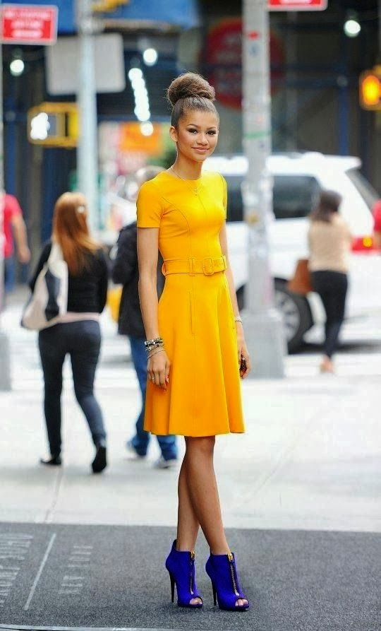 Women's Fashion Yellow dress and mid calf blue pumps