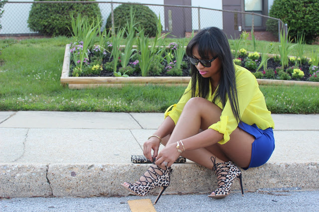 Yellow and Blue Fashion Minders