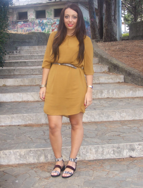 Come Abbinare Il Senape 1 settembre : abito giallo senape