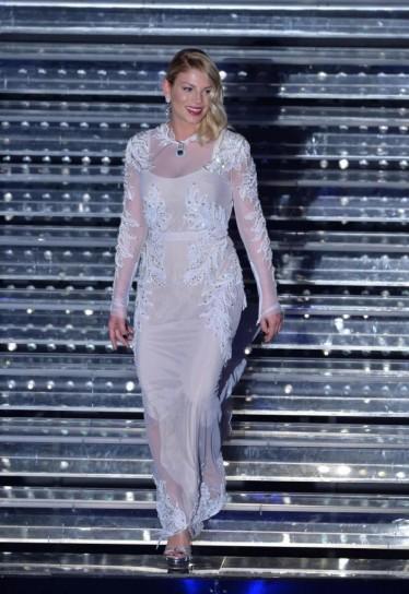 vestito-stile-sposa-per-emma